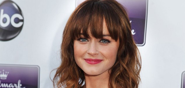 Alexis Bledel shows off engagement ring