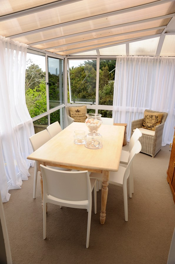 Lucia and Gaz transformed the sunroom into the dining area