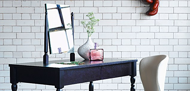 Decorating Ideas: black and white