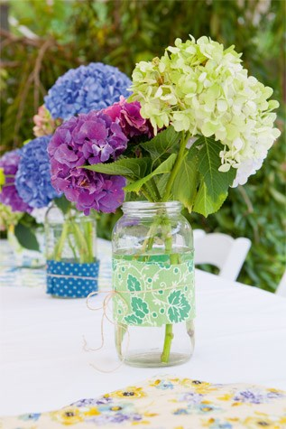 Hydrangeas were the floral theme. The couple stuck with at least one tradition by exchanging rings. PhotoMichelle Hyslop