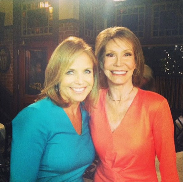Mary Tyler Moore, seen here with US TV journalist Katie Couric in April 2013.
