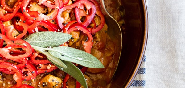 Slow-cooked pork shoulder and tomatoes, sherry & spices