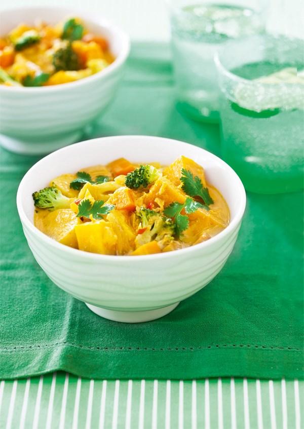 Yellow pumpkin & potato curry