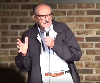 Chuck Esterly performs stand-up comedy at 89 years of age