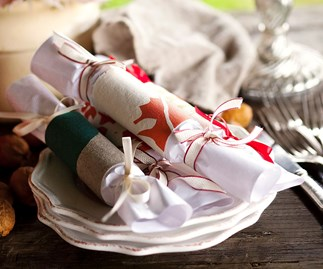 Rustic homemade Christmas crackers