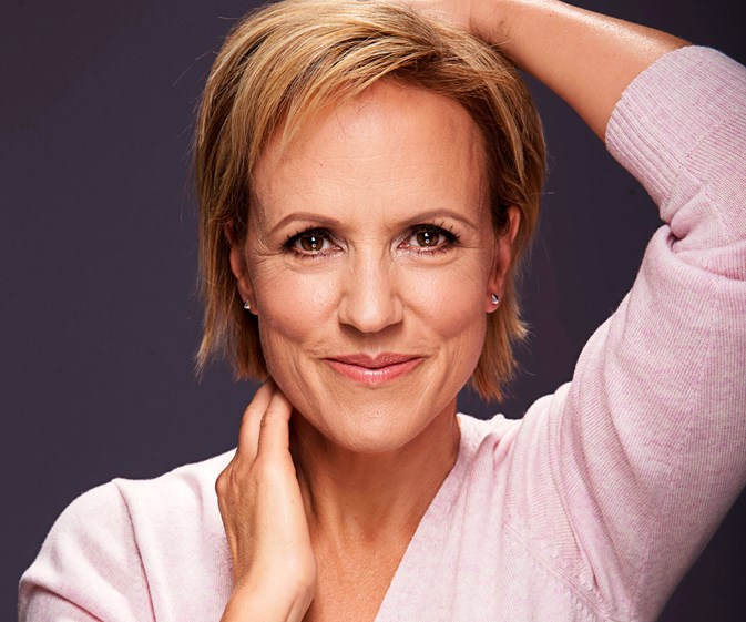 Hilary Barry quits TV3