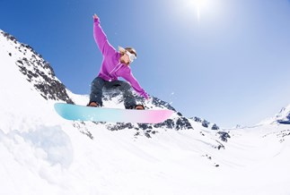 The Anything But The Gym Girls try... snowboarding