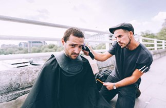 This barber is transforming the lives of the homeless