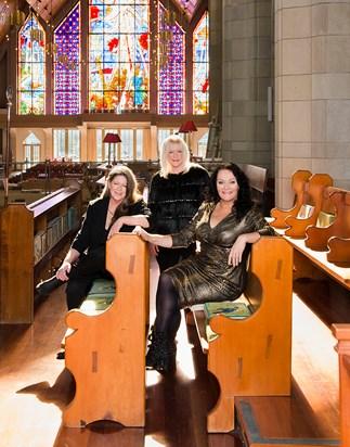 Legendary Kiwi singers hit the road