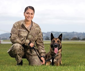 Meet the only female dog handler in the New Zealand Defence Force