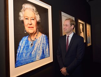 Queen Elizabeth celebrates Sapphire Jubilee with stunning portrait