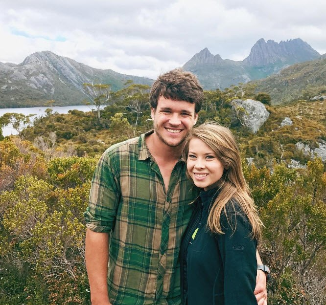 Bindi Irwin enjoyed the countryside, with her boyfriend on her arm.