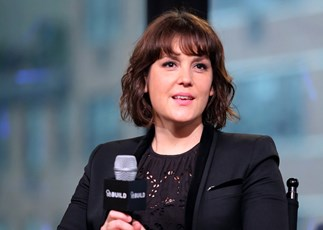 Kiwi star Melanie Lynskey announces engagement