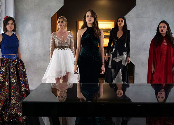 The cast of Pretty Little Liars spend their last day in Rosewood