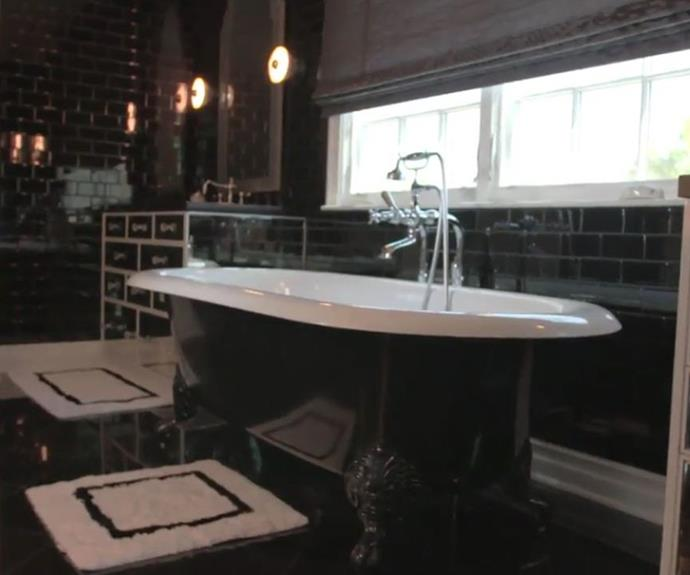 Inside kylie jenner 39 s multi million dollar mansion now for Bathroom 75 million