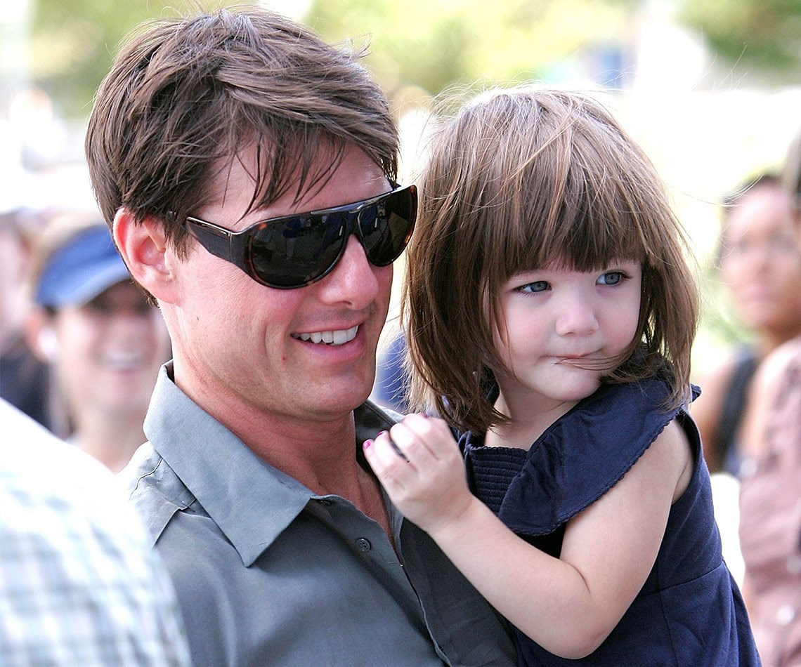 Tom and Suri share a tender moment in New York City, 2007.