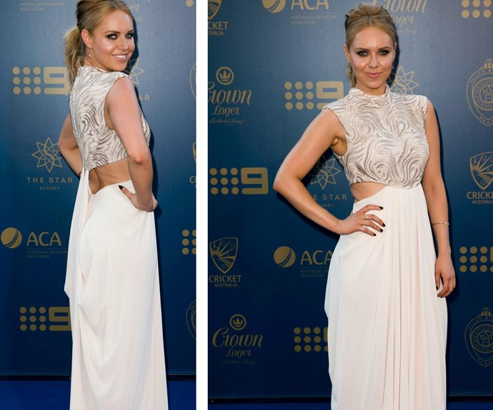 """TV presenter Julie Snook may have given fellow reporter Amber Sherlock the side-eye with this near-white gown, daringly worn after *that* ['Jacketgate' incident...](http://www.womansday.com.au/style-beauty/fashion/julie-snook-wears-white-on-the-allan-border-blue-carpet-17692