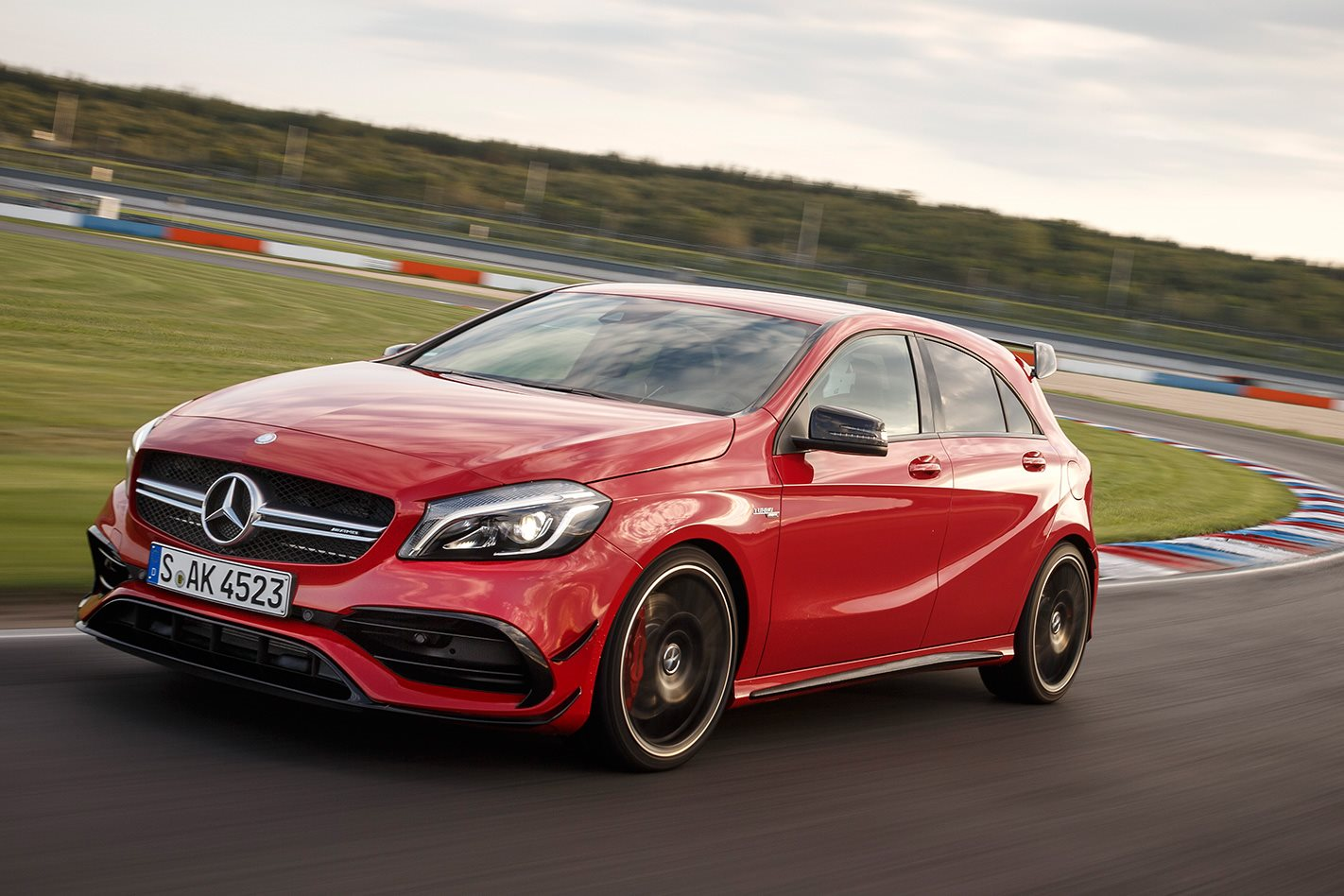 2016 mercedes benz a45 amg review wheels. Black Bedroom Furniture Sets. Home Design Ideas