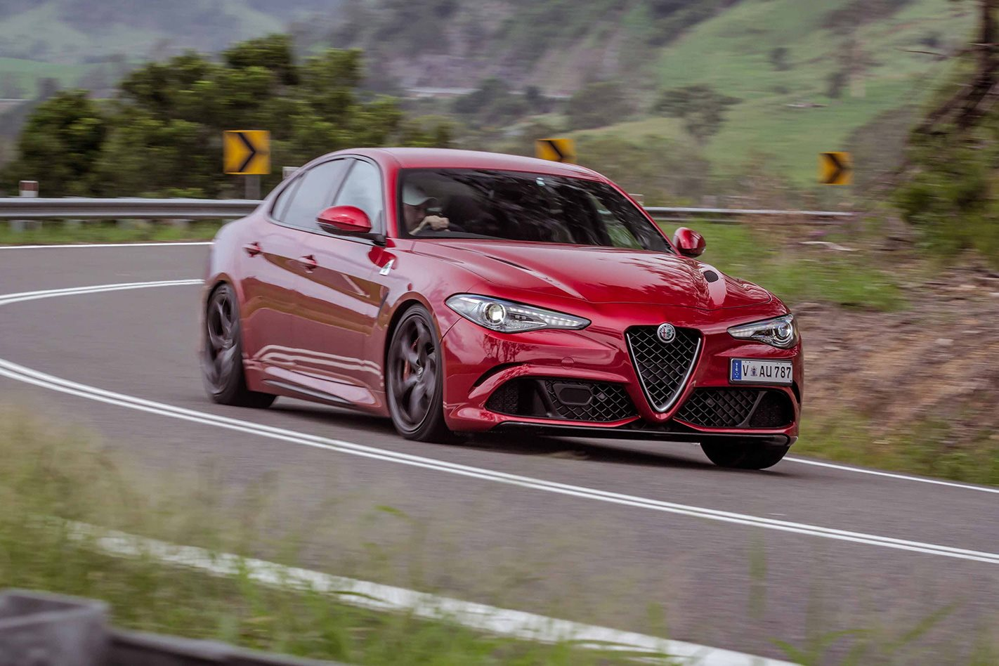 2017 alfa romeo giulia qv review wheels. Black Bedroom Furniture Sets. Home Design Ideas