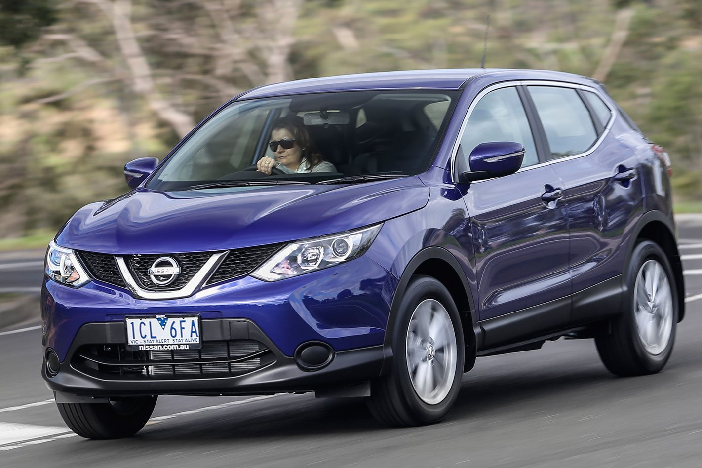 2016 nissan qashqai review. Black Bedroom Furniture Sets. Home Design Ideas