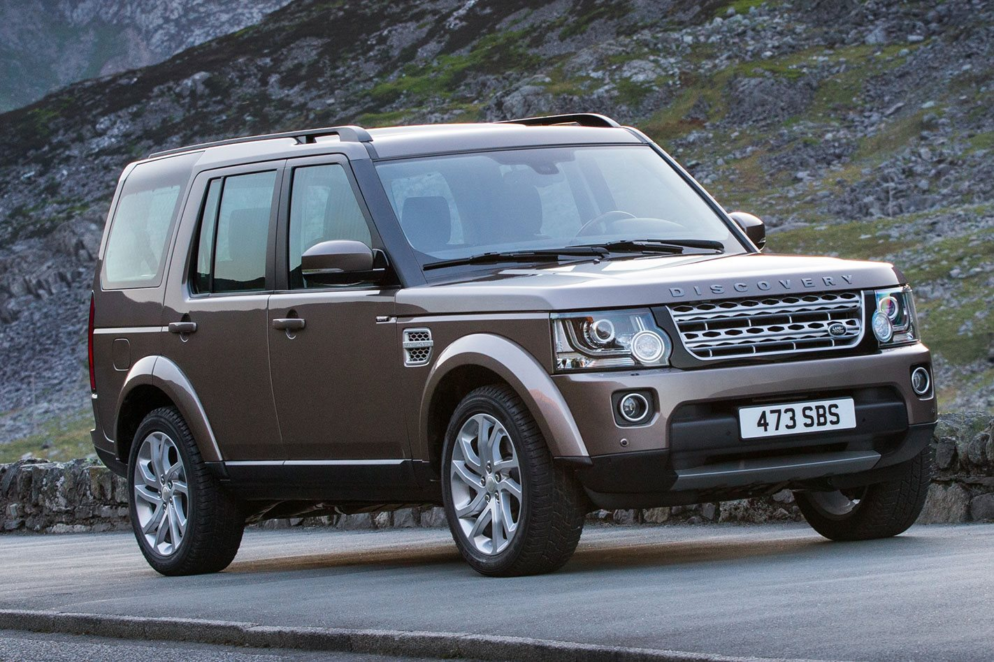 2016 land rover discovery review. Black Bedroom Furniture Sets. Home Design Ideas