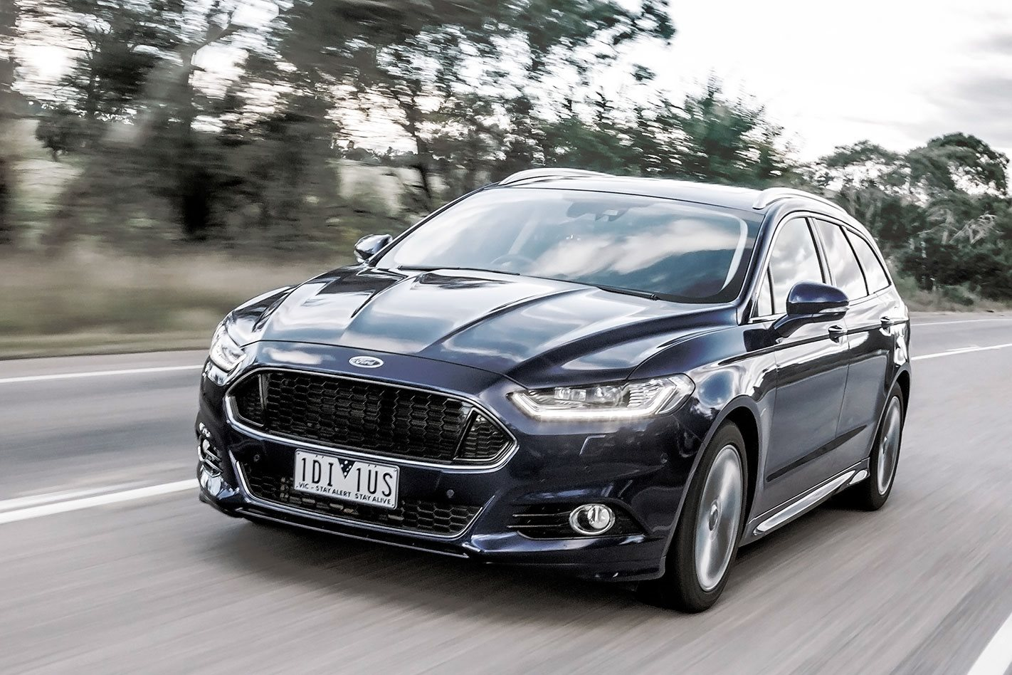 2016 ford mondeo review. Black Bedroom Furniture Sets. Home Design Ideas