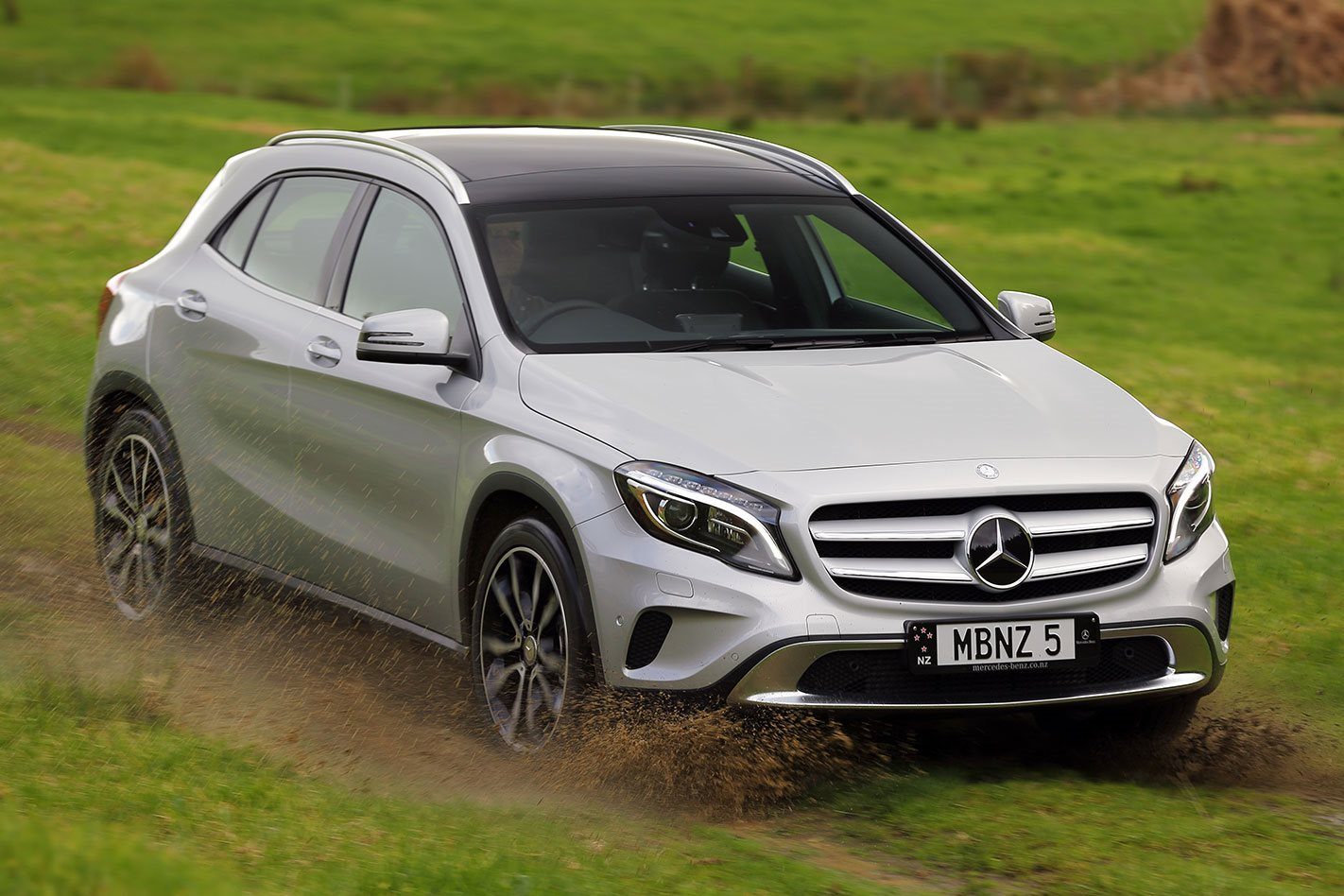 2016 mercedes benz gla class review. Black Bedroom Furniture Sets. Home Design Ideas