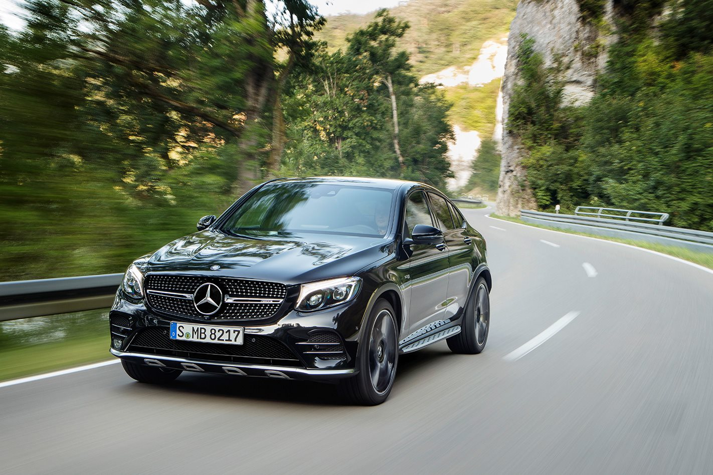 mercedes amg glc 43 coupe revealed. Black Bedroom Furniture Sets. Home Design Ideas