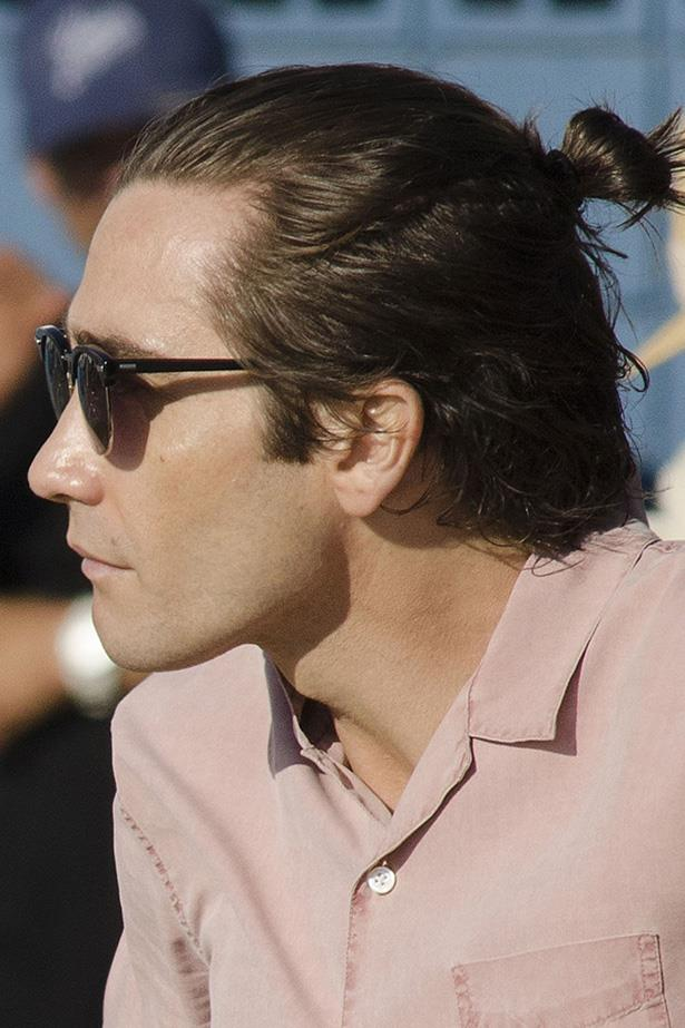 Jake Gyllenhaal slipped his tresses into a bun a few weeks ago, stirring the man-bun debate that's been raging since the early '90s.