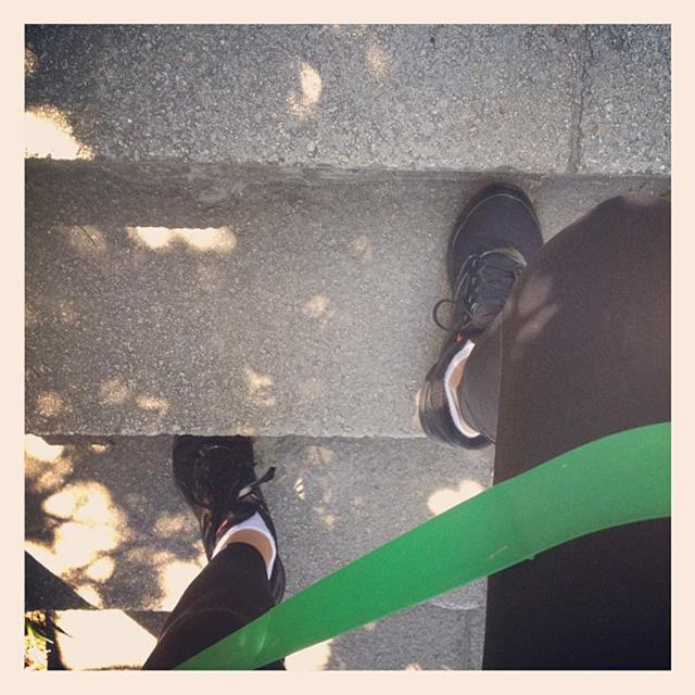 """<p>""""One step at a time! #resistancebands feel it burn""""</p> <p><strong>FYI</strong>: Kerr runs between three and five km, once or twice a week</p>"""