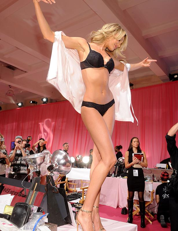 Candice Swanepoel getting into the swing of things before the show
