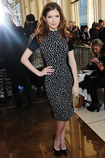 Anna Kendrick showed off her curves in a body-con Tory Burch dress during the brand's New York Fashion Week A/W 14-15 show.