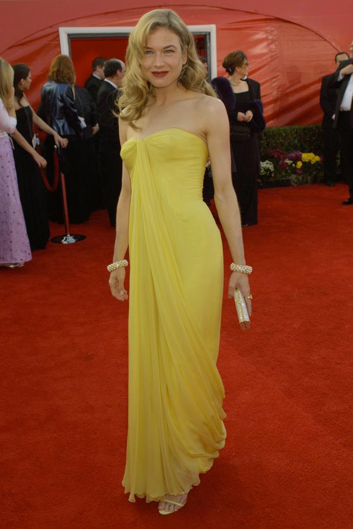 Renee Zellweger at the 73rd Academy Awards, 2001, wearing vintage Jean Deesès.