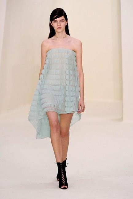 Minimalist styles ensure all eyes remain on the bride at Christian Dior Haute Couture SS14