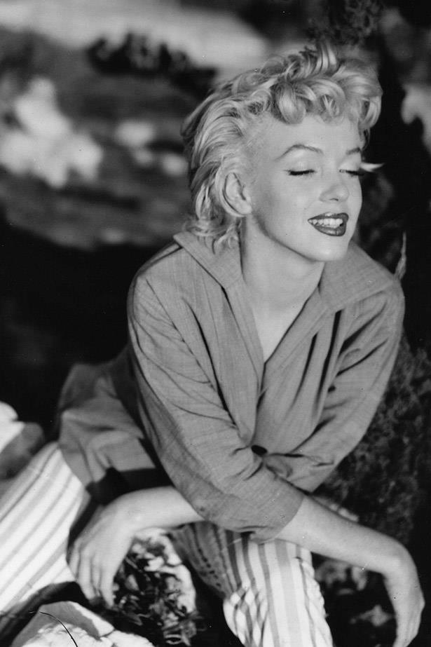 Marilyn at ease in 1954