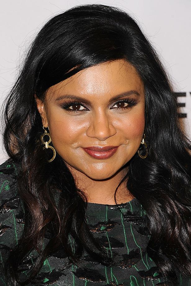 The actress shows off false lashes and a deep side part at the Paleyfest honouring of her show <em>The Mindy Project.</em>