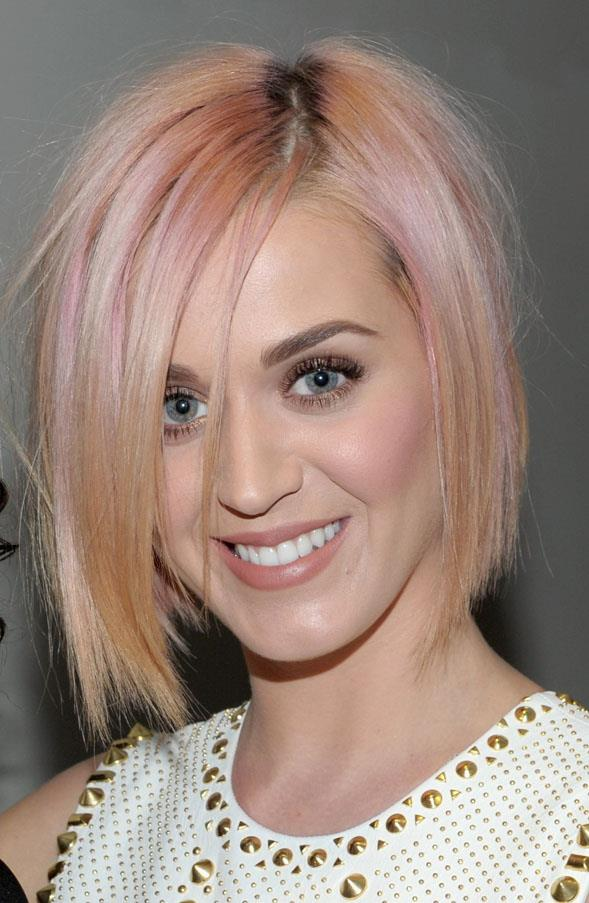 Even as a blonde, Katy couldn't resist adding a splash of pastel neon.