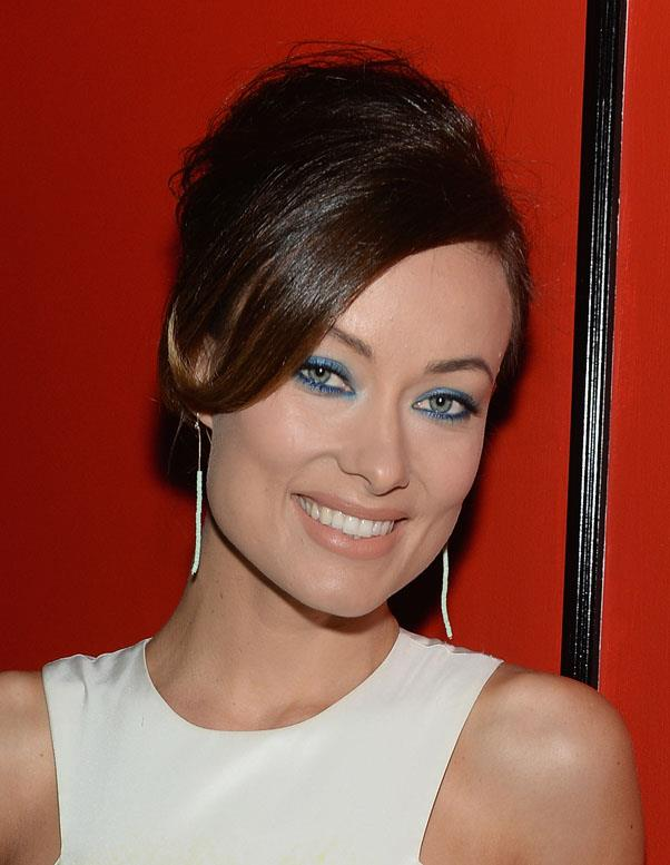 Olivia Wilde is often mixing up her beauty looks. As a brunette, we loved how she would often play with colour on her eyes and lips.