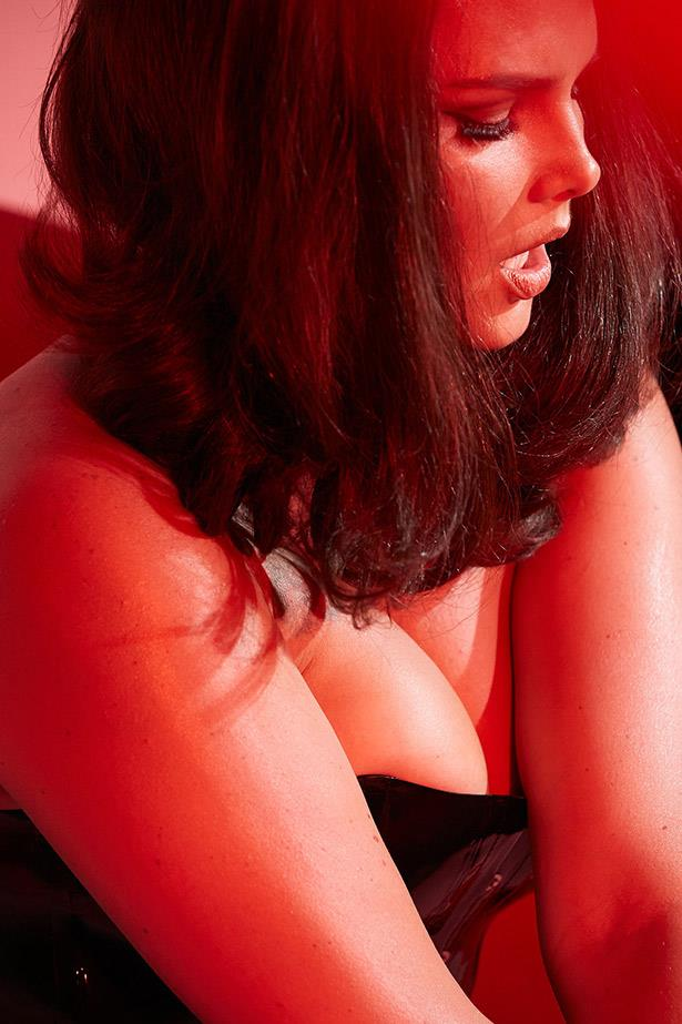 Candice Huffine brings some steamy sexiness to her first Pirelli calendar shoot. She is the first 'plus-size' model to be included in 'The Cal'.