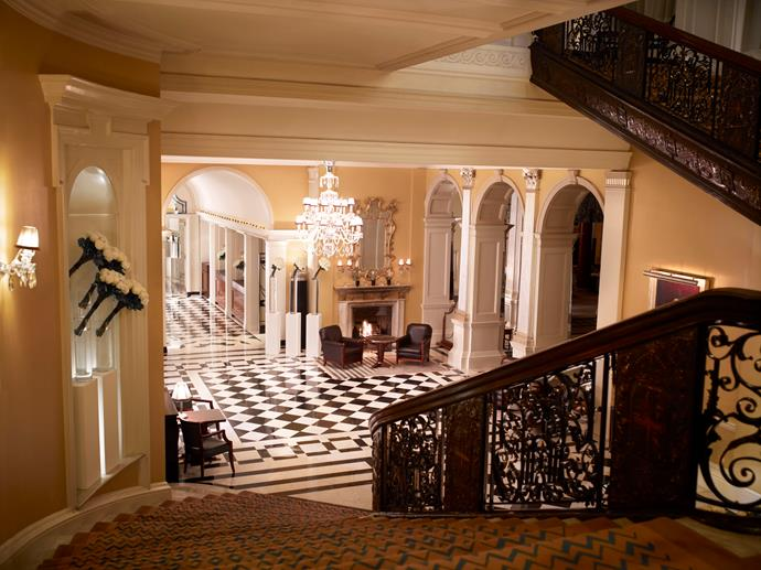 """<strong>London <br> Claridge's <br> <a href=""""http://www.claridges.co.uk/"""">www.claridges.co.uk </a> </strong>"""