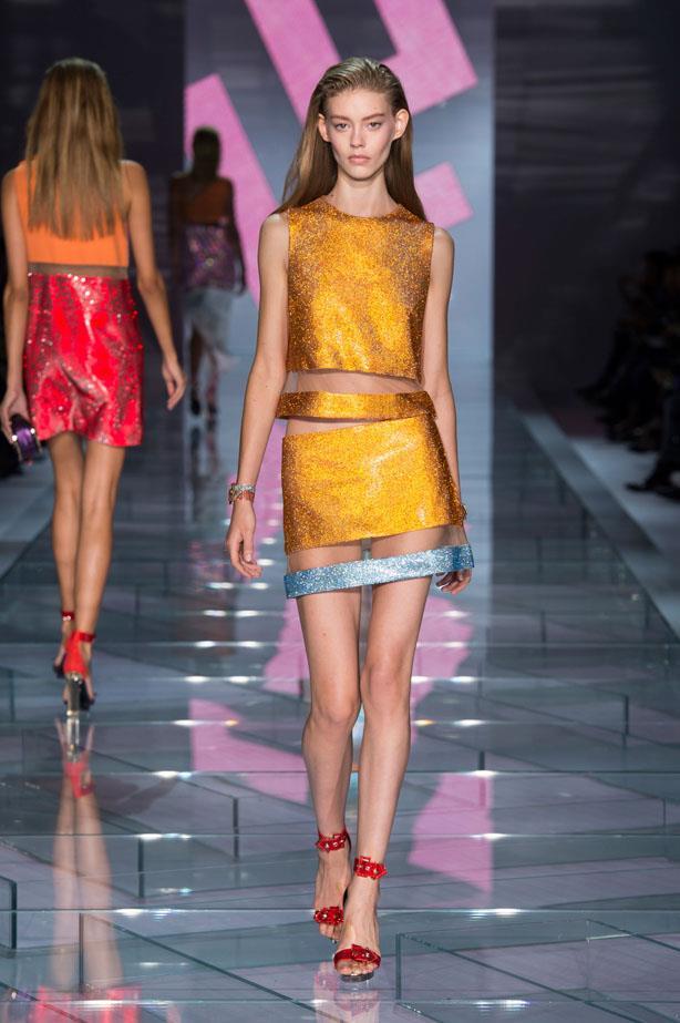 <strong>Designer:</strong> Versace <br> <strong>Collection:</strong> Spring Summer 2015 <br> <strong>Location:</strong> Milan Fashion Week