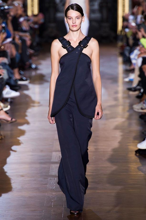 <strong>Designer:</strong> Stella McCartney <br> <strong>Collection:</strong> Spring Summer 2015 <br> <strong>Location:</strong> Paris Fashion Week