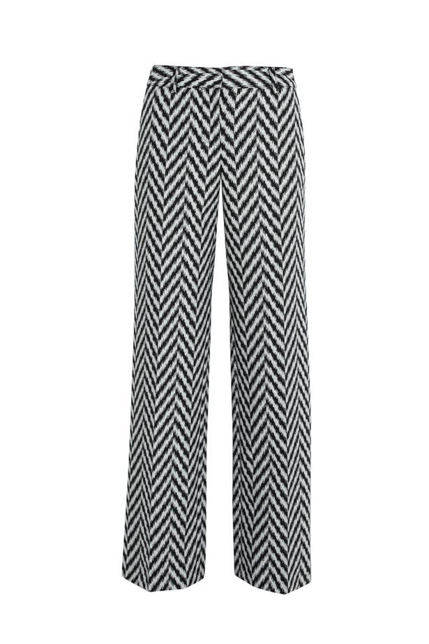 "Pants, $990 (approx), Emmanuel Ungaro, <a href=""http://www.net-a-porter.com/product/455408/Emanuel_Ungaro/patterned-stretch-knit-wide-leg-pants"">netaporter.com</a>"