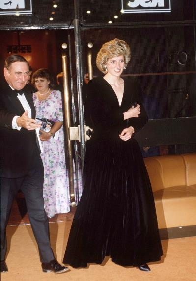 A Bruce Oldfield dress, worn by Princess Diana to the opening night of <i>Les Misérables</i> in London during 1985, is up for auction.