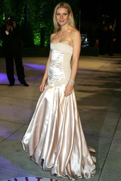 Paltrow is back to her super-svelte self in a Stella McCartney gown for The Oscars in 2005