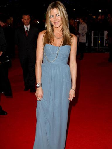 Wearing Burberry Prorsum at the UK premiere of Marley & Me