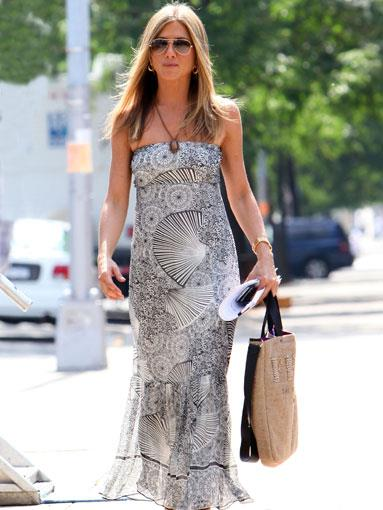 Aniston was snapped in this floaty summer dress in Queens, New York, August 2009