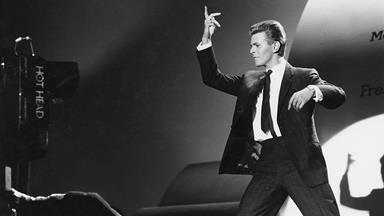Start a David Bowie Bookclub