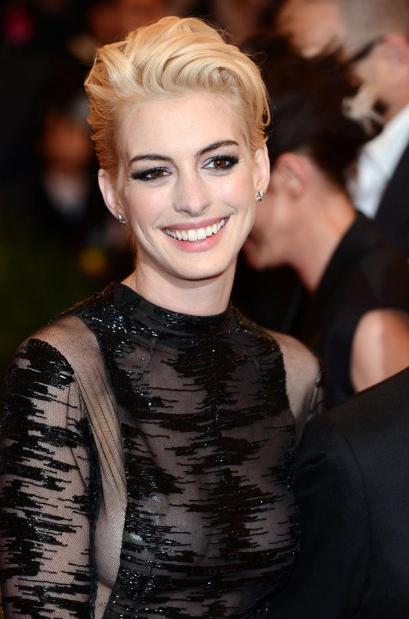 <strong>Anne Hathaway</strong> <br>But the stunning star debuted a platinum blonde look for the Met Gala earlier this year, before quickly returning to her natural shade.