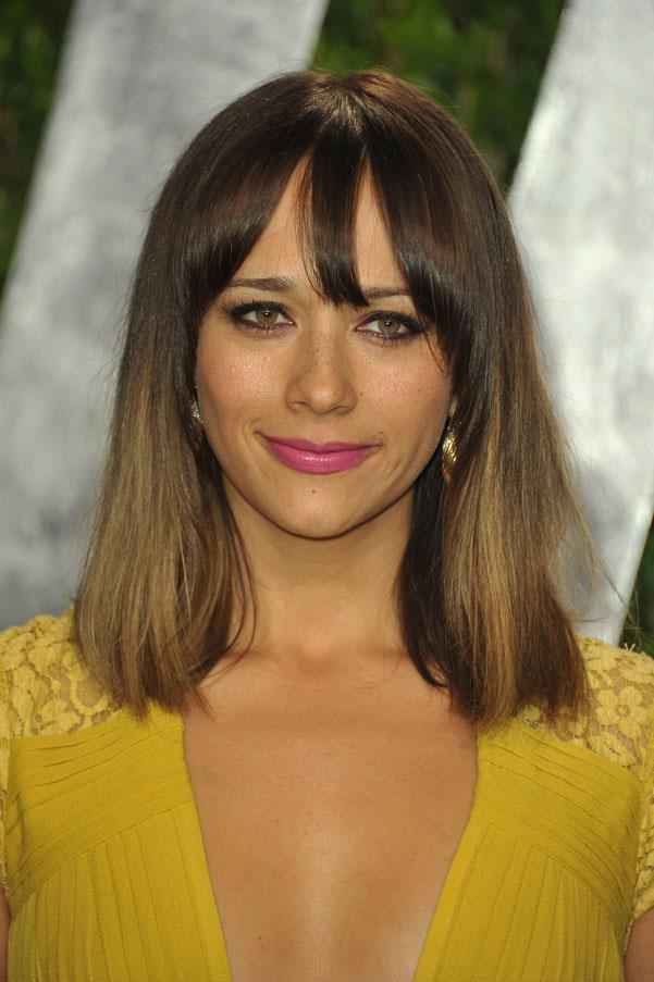 <strong>Rashida Jones</strong> <br>This cut looks just as great worn shiny and straight.